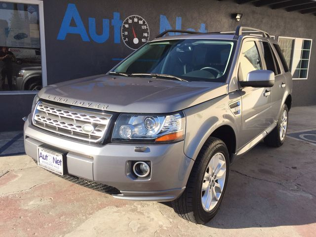 2013 Land Rover LR2 HSE LUX Meridian sound Navigation This 2013 LAND ROVER is LR2 HSE LUX Packag