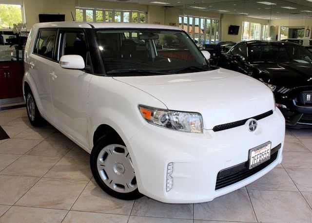 2014 Scion xB Hatchback CARFAX CERTIFIED FACTORY WARRANTY LOW MILES KEY LESS ENTRY BLUETOO