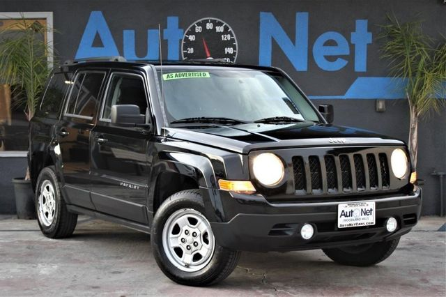 2012 Jeep Patriot Latitude Sport 4x4 This 2012 Jeep Patriot SPORT QUADRA DRIVE II 4X4 Black on Gr