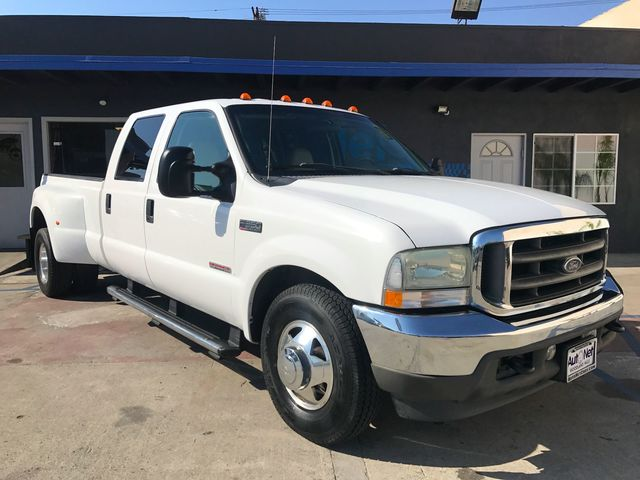 2004 Ford Super Duty F-350 Lariat Wow This Ford F-350 Super Duty Lariat is the perfect CREW Cab t