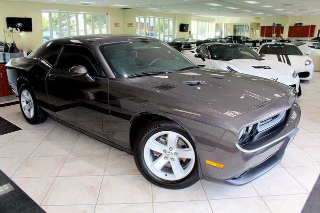 2013 Dodge Challenger SXT CARFAX CERTIFIED FACTORY WARRANTY KEY LESS ENTRY KEY LESS START