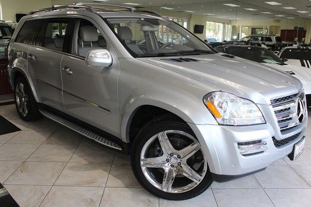2010 Mercedes GL-Class GL 550 CARFAX CERTIFIED THIRD ROW SEATING PREMIUM PACKAGE 1  2 KEY L
