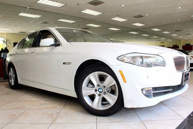 2011 BMW 528i CARFAX CERTIFIED ONE OWNER KEY LESS START KEY LESS GO FRONT AND REAR PARKING