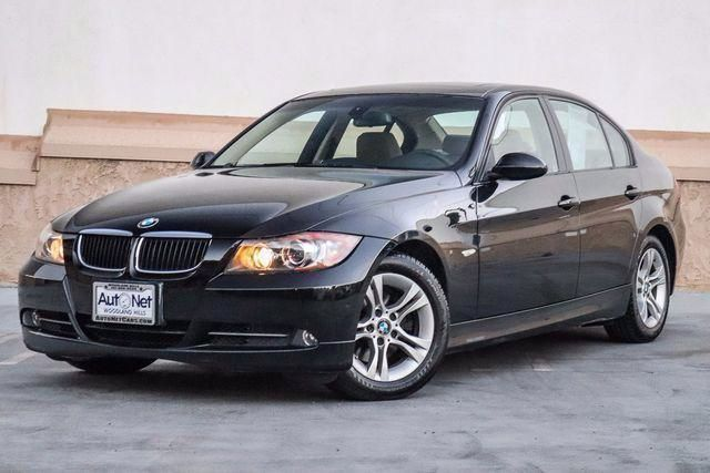 2008 BMW 328i ONLY 77K Premium PKG amp Navigation Wow this BMW 328i is one fine looking car Bl