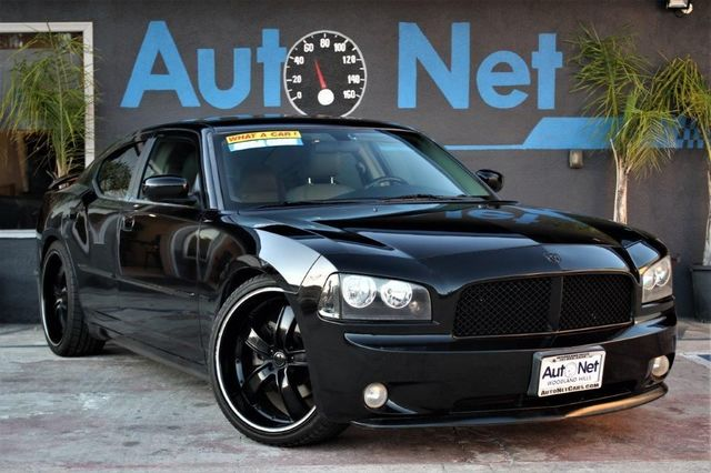 2006 Dodge Charger RT HEMI 57 This 2006 Dodge Charger RT 57L Hemi is in pristine condition Bl