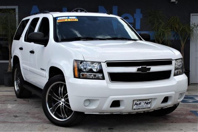 2008 Chevrolet Tahoe LS 4x4 This 2008 Chevy Tahoe LS is the one Beautiful White on Black color co