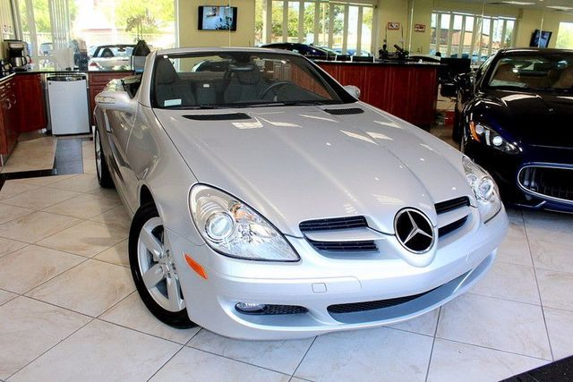 2007 Mercedes SLK-Class 30L CARFAX CERTIFIED ONE OWNER LOW MILES HARDTOP CONVERTIBLE KEY