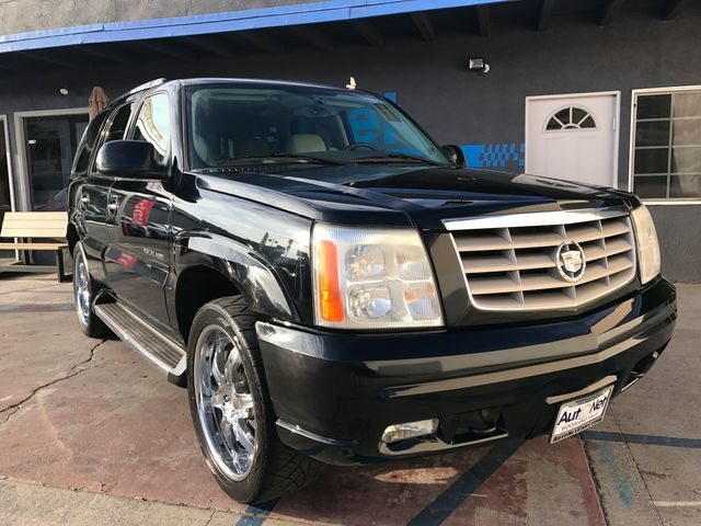 2006 Cadillac Escalade LUXURY SPORT AWD 3RD ROW SEATS Take a look at this All-Wheel Drive Cadillac