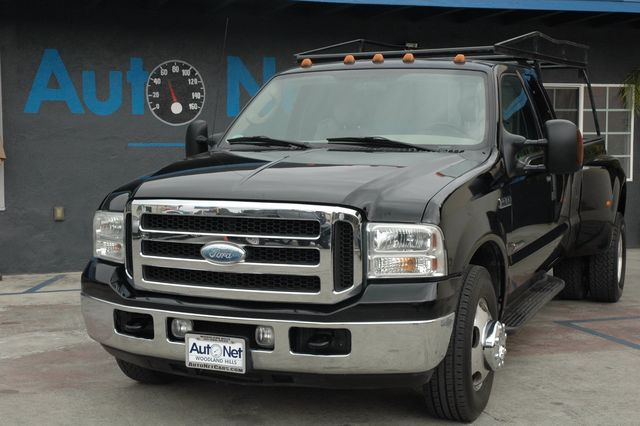 2005 FORD F350 SUPER DUTY LARIAT V8, TURBO DSL