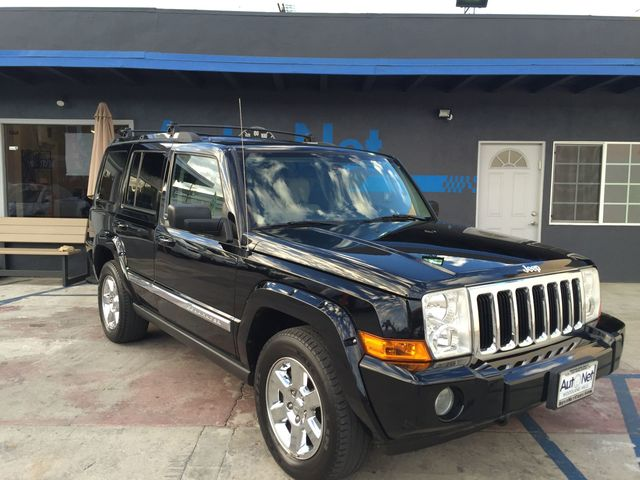 2007 Jeep Commander Limited w 3rd row seats DVD pl What a beauty This Jeep Commander Limited HE