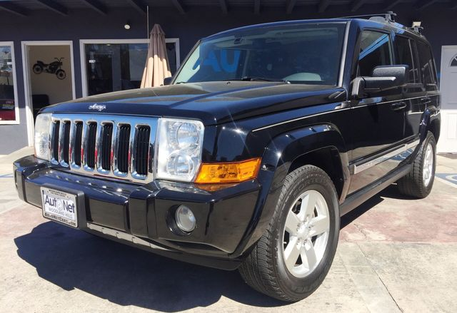 2006 Jeep Commander Limited 4x4 w Backup Camera This Jeep Commander Limited is a 4-Wheel Drive be