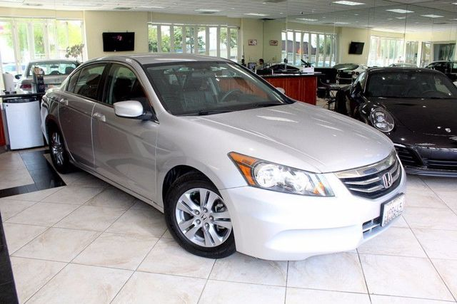 2012 Honda Accord SE CARFAX CERTIFIED CALIFORNIA CAR LEATHER HEATED SEATS KEYLESS ENTRY P