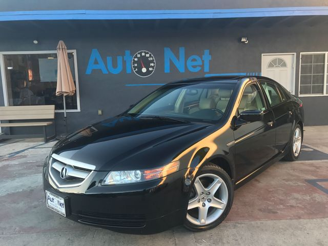 2006 Acura TL Are you looking for a Luxurious drive around town Look no further In the Luxurious