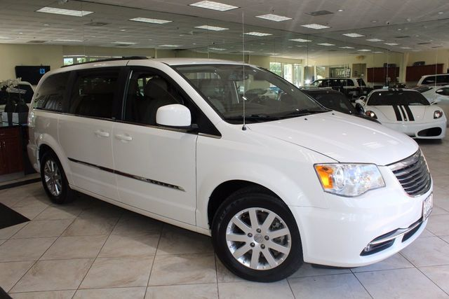 2013 Chrysler Town amp Country Touring CARFAX CERTIFIED FACTORY WARRANTY BACK UP CAMERA BL