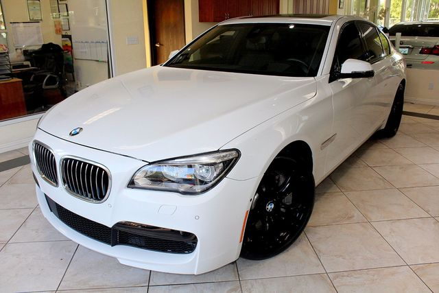 2015 BMW 750iMPACKAGE THIS AMAZING 2015 BMW 750i IS LIKE NEW SPECTACULAR 750i WITH EXTREMELY LOW