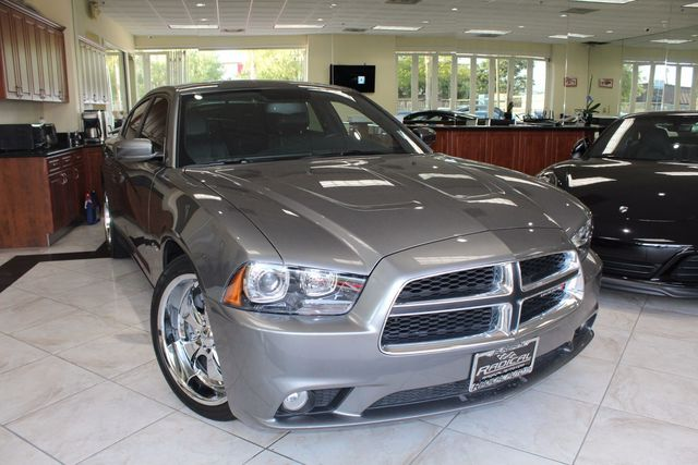 2012 Dodge Charger RT Plus CARFAX CERTIFIED ONE OWNER KEY LESS ENTRY KEY LESS START BACK-U