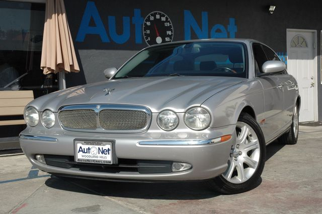 2005 Jaguar XJ8 LWB NAVIGATION FULL LATHER This Luxurious car is not only beautiful on the outsid