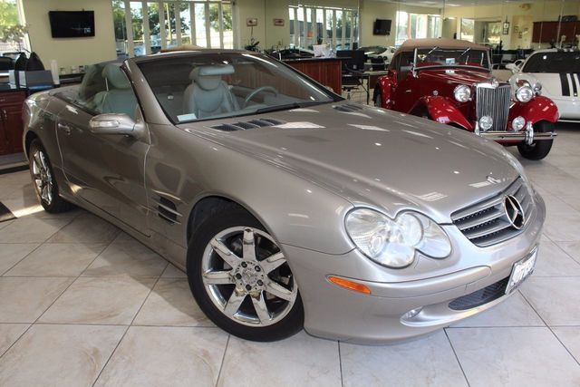 2004 Mercedes SL-Class LOW MILES CLEAN TITLE AND CARFAX CERTIFIED GFULLY EQUIPPED WITH LEATH