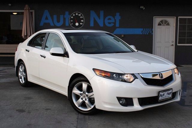 2010 Acura TSX Tech Pkg Take a Look at this amazing looking car With an Impressive Amount of stand