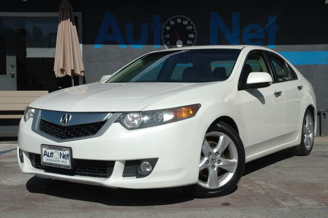2010 Acura TSX PREMIUM PKG This 2010 Acura TSX comes in White with a Beige Leather finish Recent