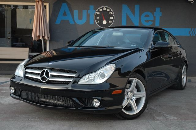 2010 Mercedes CLS-Class 550 AMG PACKAGE This Beauty Right here is our 2010 Mercedes-Benz CLS550 AM