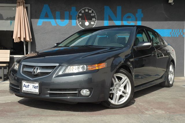 2007 Acura TL VETC WE ARE HAVING A GIANT SALES NOW This 2007 Acura TL WNavigation and Back up c
