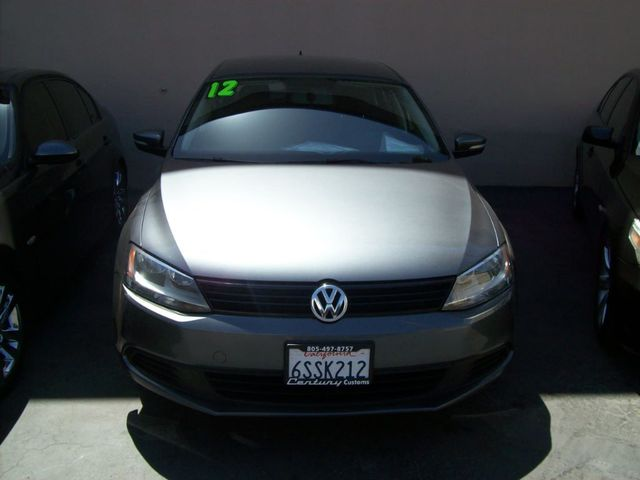 2012 Volkswagen Jetta Sedan SE PZEV Century Customs in Thousand Oaks presents this 2012 VW Jetta S