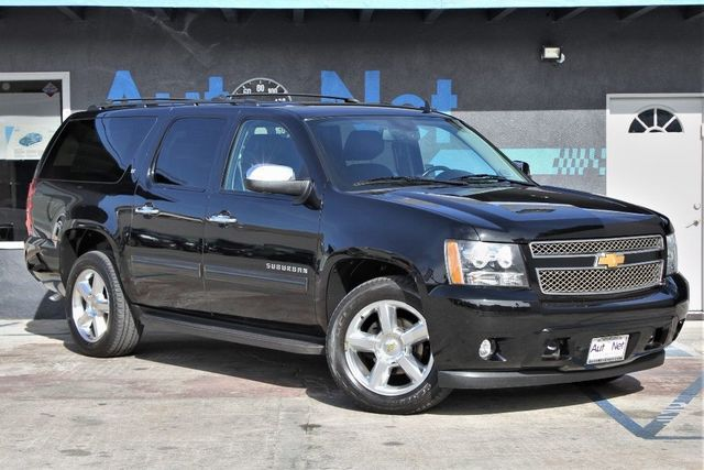 2013 Chevrolet Suburban LT WOW Looking for the perfect Road Trip Car Youre looking at it right