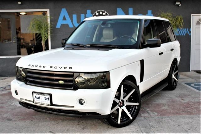 2007 Land Rover Range Rover HSE WOW Just look at our 2007 White Range Rover HSE With Great Looki