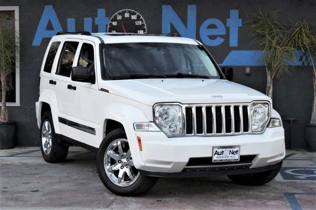 2008 Jeep Liberty Limited 4X4 This 2008 Jeep Liberty 4x4 37 Liter is Limited White With Gray Inte