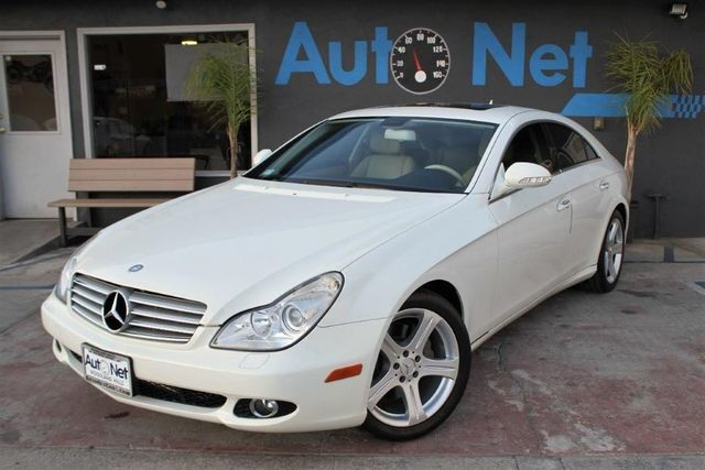 2007 Mercedes CLS550 55L If You Seek Sports car Performance Sleek Coupe-Like style And the Conve