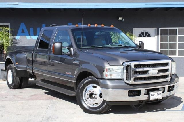 2005 Ford Super Duty F-350 Lariat DULLY Looking for Your Next Truck This 2005 FORD 350 Super heav