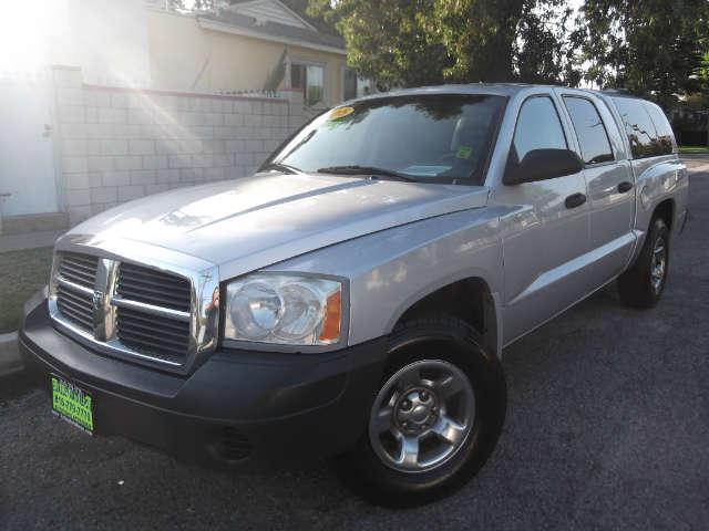 2005 Dodge Dakota ST Runs exceptionally well 4 new tireswe sell the repos for the banks whic