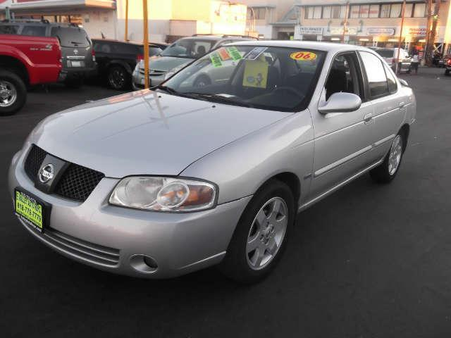2006 Nissan Sentra 18 S The 2006 Nissan Sentra is an awesome economy compact sedan From commuter