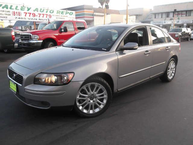 2006 Volvo S40 24L The design of this Volvo S40 is lovely subtle and original but mostly very cle