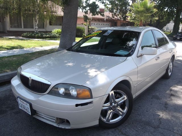 2002 Lincoln LS wPremium Pkg What is there to say about this upscale Lincoln called the LS Well