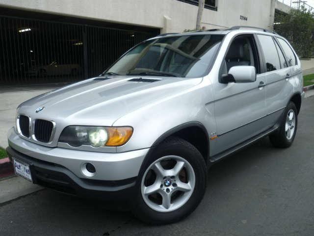 2001 BMW X5 30L This is a 2001 BMW X5 AWD 30LITER 6 CYLINDER w AUTOMATIC Transmission ONE OWN