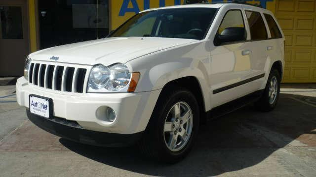 2007 Jeep Grand Cherokee Laredo  4X4 This Jeep Grand Cherokee Laredo is a beautiful 4-wheel Drive c