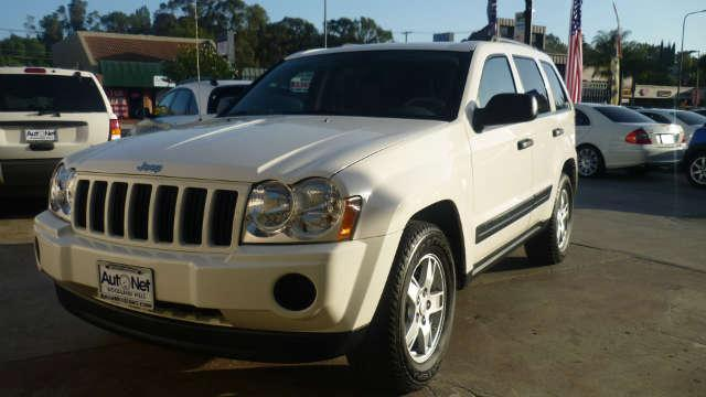 2005 Jeep Grand Cherokee Laredo 4X4 Looking for a reliable 4 Wheel Drive vehicle Look no further