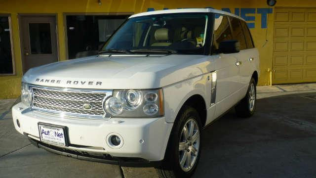 2006 Land Rover Range Rover HSE This luxurious Range Rover could be the car for you White exterior
