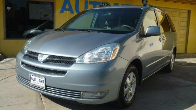 2004 Toyota Sienna XLE 1 OWNER Have kids or a big family This Toyota Sienna is the perfect family