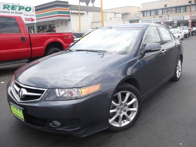 2007 Acura TSX Navi Our gently used 2007 Acura TSX is sensible and luxurious with a sprinkle of spo