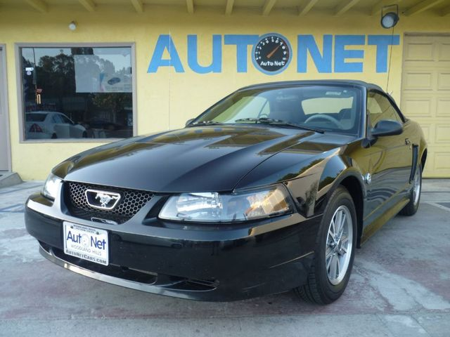 2004 Ford Mustang Deluxe This 2004 Mustang Convertible is a catch 40th Anniversary edition Clean