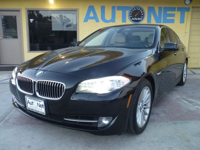 2011 BMW 535i Wow This car is a head turner indeed This 2011 BMW 535i looks brand new It has onl