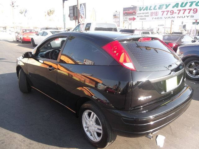 2005 Ford Focus SE  90k miles VIN 3FAFP31N15R142663   FOR INTERNET SPECIAL CALL 855-325-9036 T