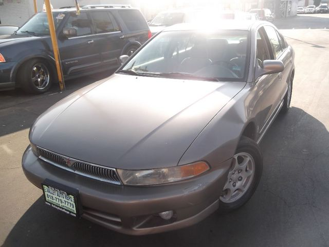 2000 Mitsubishi Galant ES Theres a lot to like about our 2001 Galant ES and including it on your s