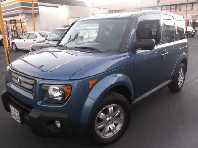 2008 Honda Element EX The 2008 Honda Element remains one of the most functional and adaptable vehic