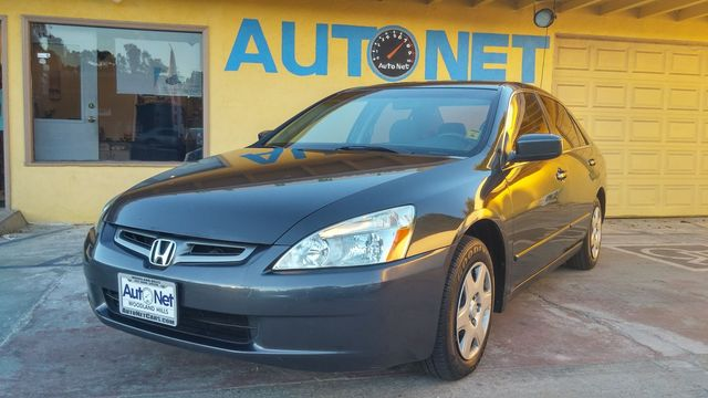 2005 Honda Accord Sdn LX Looking for a car thats both reliable and economical Look no further Th