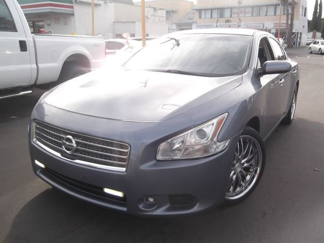 2011 Nissan Maxima 35 S Our 2011 Maxima 35S is stunning and curvaceous From behind the wheel it