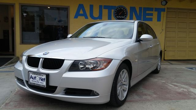 2006 BMW 325i This 06 BMW 325i is quite a catch Silver on Black Leather interior Automatic with a